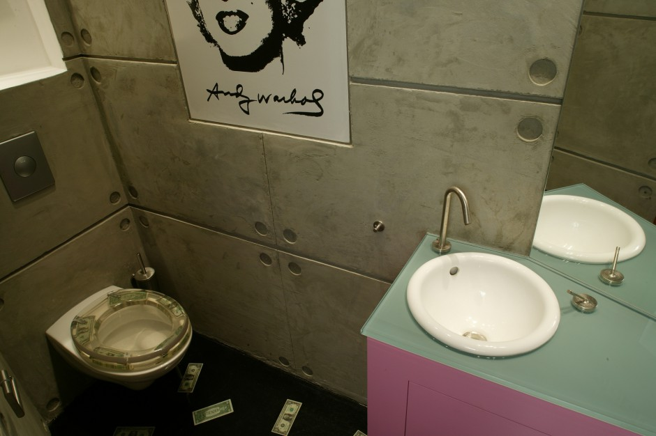 Łazienka z Marilyn Monroe – pomysł na małe wnętrze