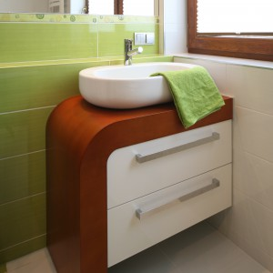 Łazienka w zieleni – pogodne wnętrze dla rodziny