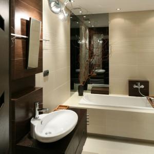 Łazienka w beżach i brązach – piękne wnętrze w starej kamienicy
