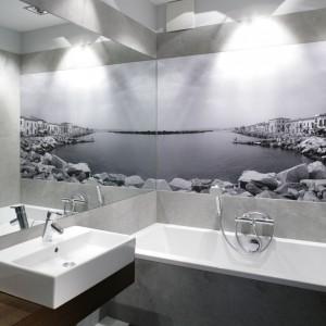 Nowoczesna łazienka. Zobacz wnętrza w modnych szarościach