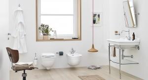Okno w łazience – zasłaniać czy nie? Zobacz co sądzą Polacy