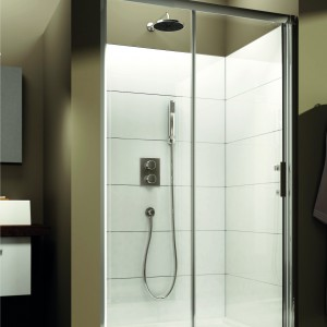 Prysznic we wnęce. Wybierz drzwi już od 715 zł