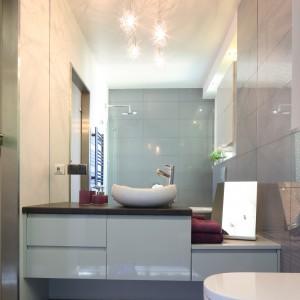 Mała łazienka – sprawdzone sposoby na optyczne powiększenie