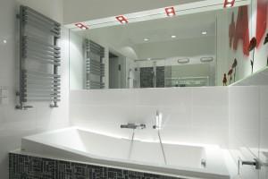 Lustro w łazience – 12 projektów z polskich domów