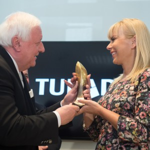 Komisarz Elżbieta Bieńkowska honorowym gościem Ceramiki Tubądzin