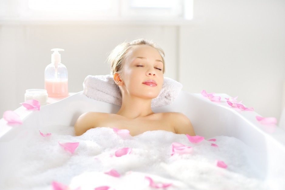 Domowe kosmetyki: odmładzające oliwki po kąpieli