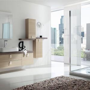 Meble jak z drewna – najmodniejsze kolekcje do łazienki