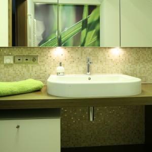 Wąska łazienka: tak optycznie ją powiększysz