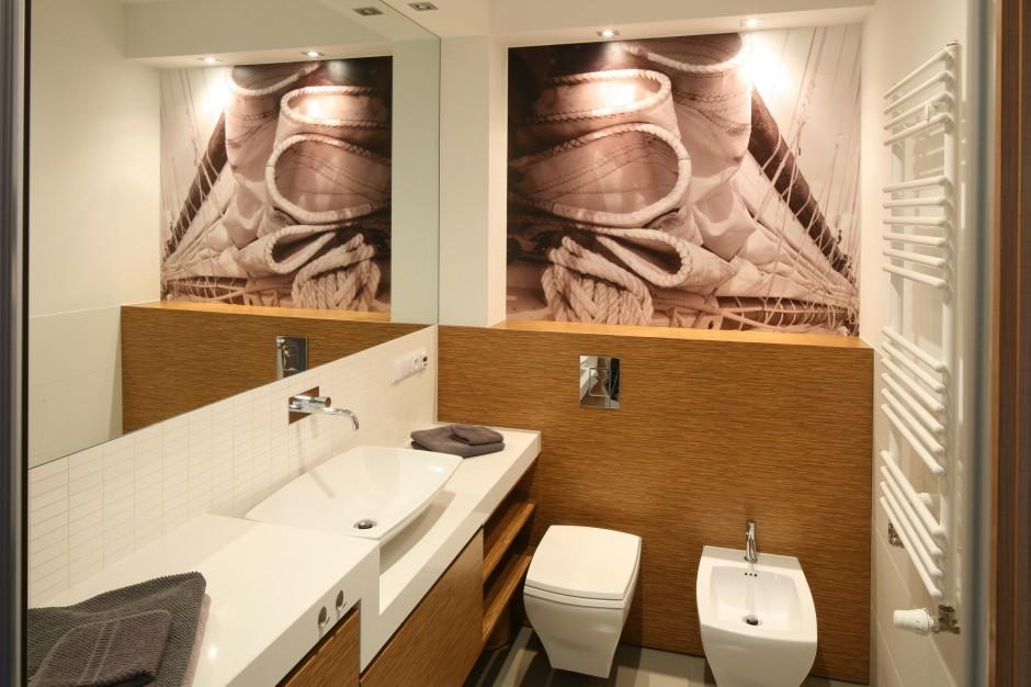 Szybki remont łazienki – fototapeta zamiast płytek