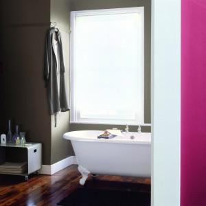 Modnie pomalowana łazienka. Wybierz farbę odporną na wilgoć
