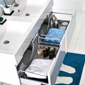 Podwójne umywalki. 10 praktycznych modeli w różnych stylach