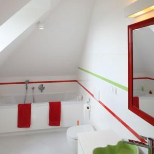 Białe łazienki: 12 najlepszych projektów z polskich domów