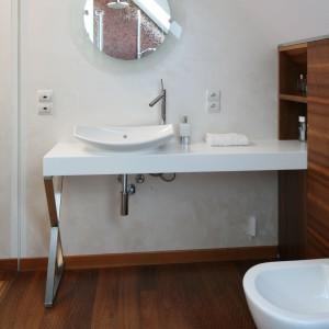 Łazienka na poddaszu – tak ją urządzisz z projektantem