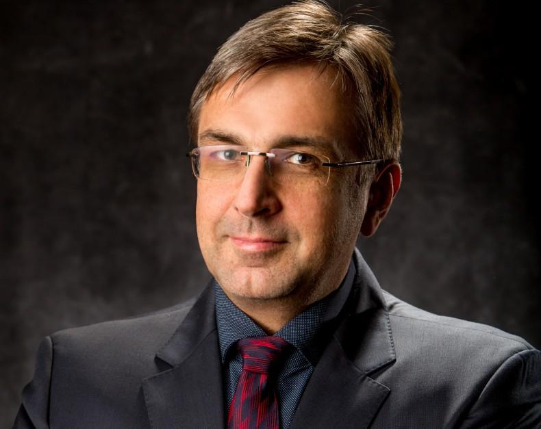 Arkadiusz Tecław, Grupa Paradyż: Rynek się zmienia