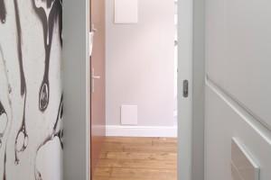 Remont łazienki: 12 pomysłów na modne drzwi