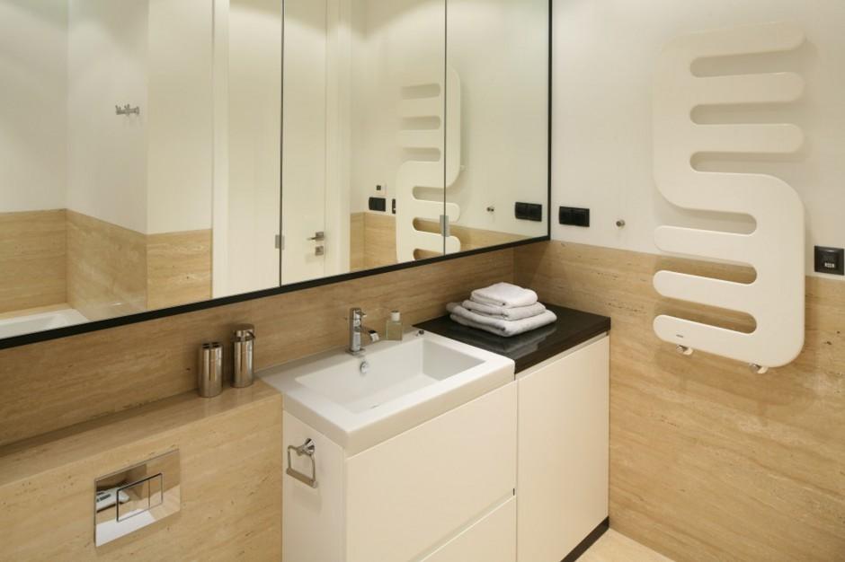 Łazienki w beżach – zobacz modne polskie wnętrza