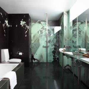 Łazienka w podróży: 15 najładniejszych hotelowych przestrzeni kąpielowych