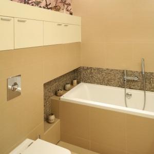 Mała łazienka z wanną – zobacz najlepsze pomysły architektów
