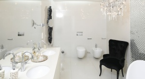 Piękne łazienki w bieli – tak urządzili inni