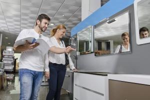 [Raport PSB] Dynamiczny wzrost cen produktów z segmentu wyposażenia łazienki w kwietniu
