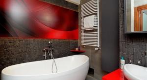 Na przekór tradycji - 15 łazienek z kolorowym akcentem