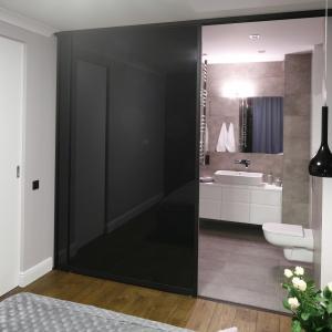 Urządzaj z projektantem: łazienki w szarościach