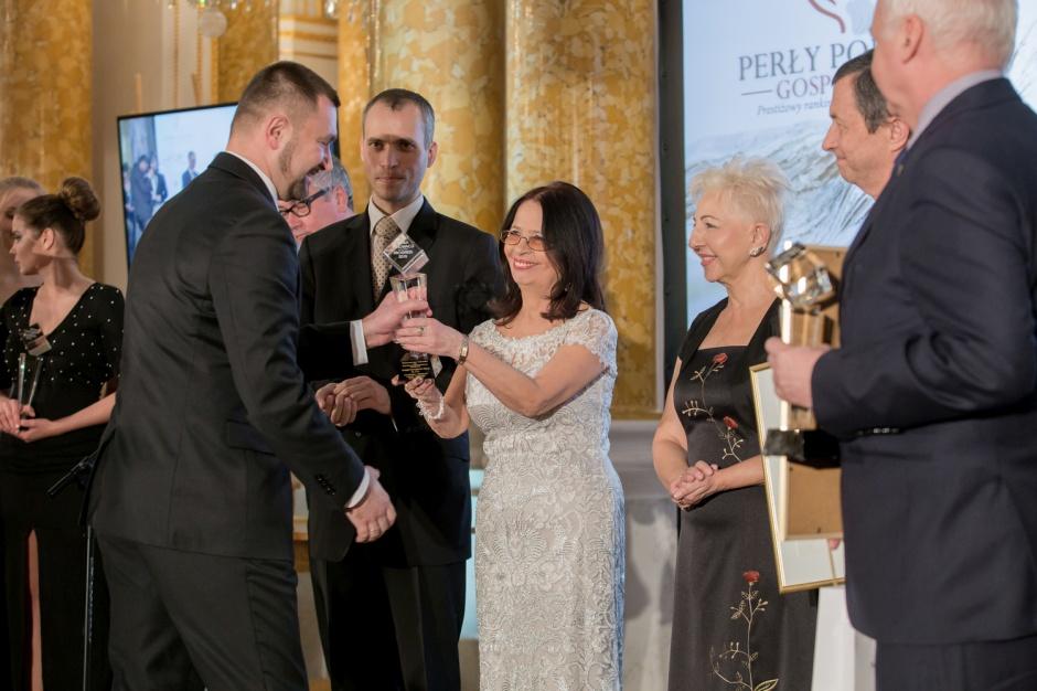 Tubądzin nagrodzony za rozwój, Sołowow z Perłą Honorową