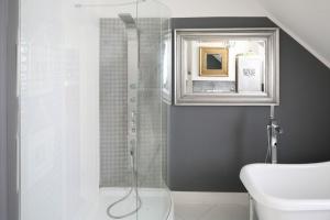 Prysznic w łazience – najmodniejsze projekty architektów