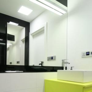 Urządzanie małej łazienki: modne pomysły na lustro