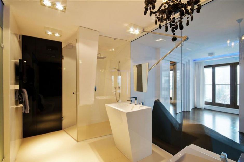 Projekt tygodnia: Łazienka ze szklaną ścianką działową