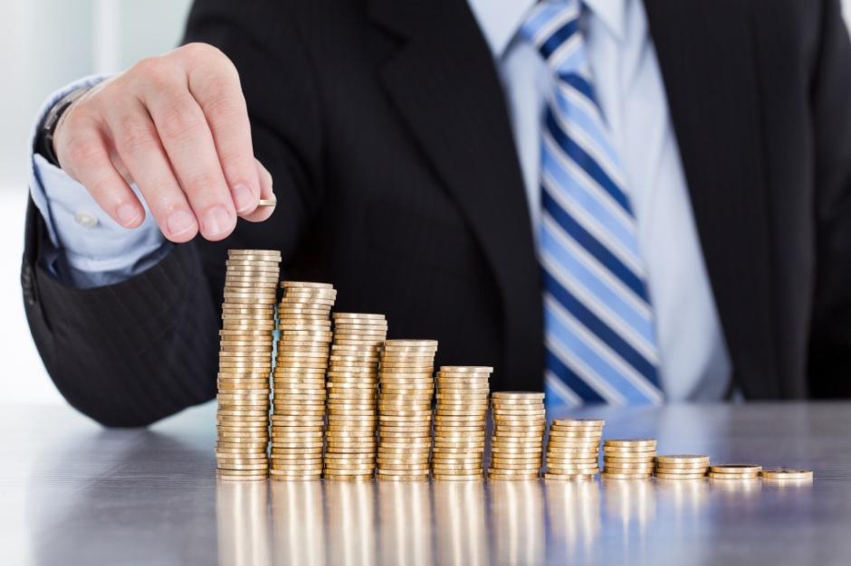 Niskie koszty zatrudnienia przyciągają inwestorów do Polski