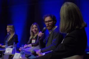 """III Forum Dobrego Designu: panel dyskusyjny """"Czy muszą mnie znać, aby docenić"""""""