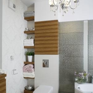 Piękne, jasne łazienki – 12 projeków wnętrz