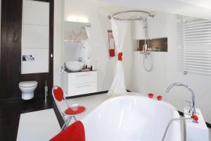 Inspirujemy Przytulna łazienka 10 Wnętrz Ożywionych