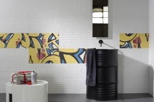 Ściany w łazience – postaw na płytki w stylu loft
