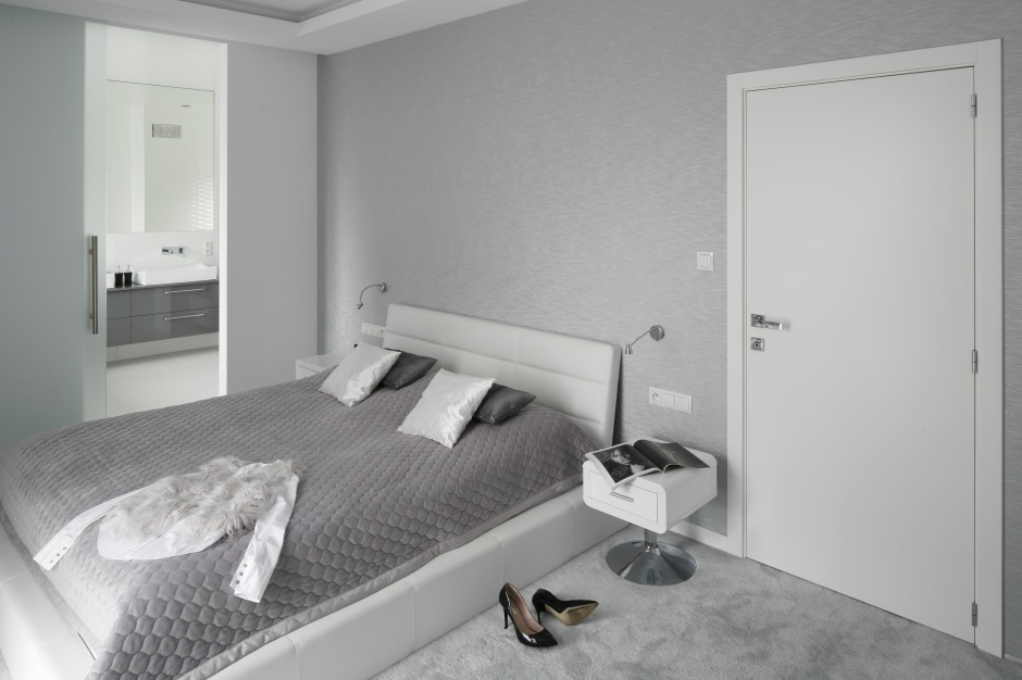 Łazienka przy sypialni – najlepsze projekty architektów