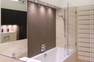 Parawan nawannowy – tak połączysz wannę i prysznic
