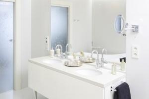 Lustro w łazience – 12 pomysłów architektów