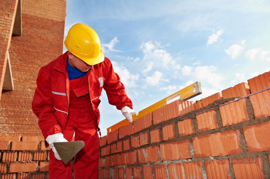[RAPORT] Praca w budownictwie nadal średnio płatna, ale bardziej bezpieczna