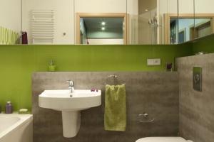 Lustra do łazienki – ciekawe pomysły z polskich domów