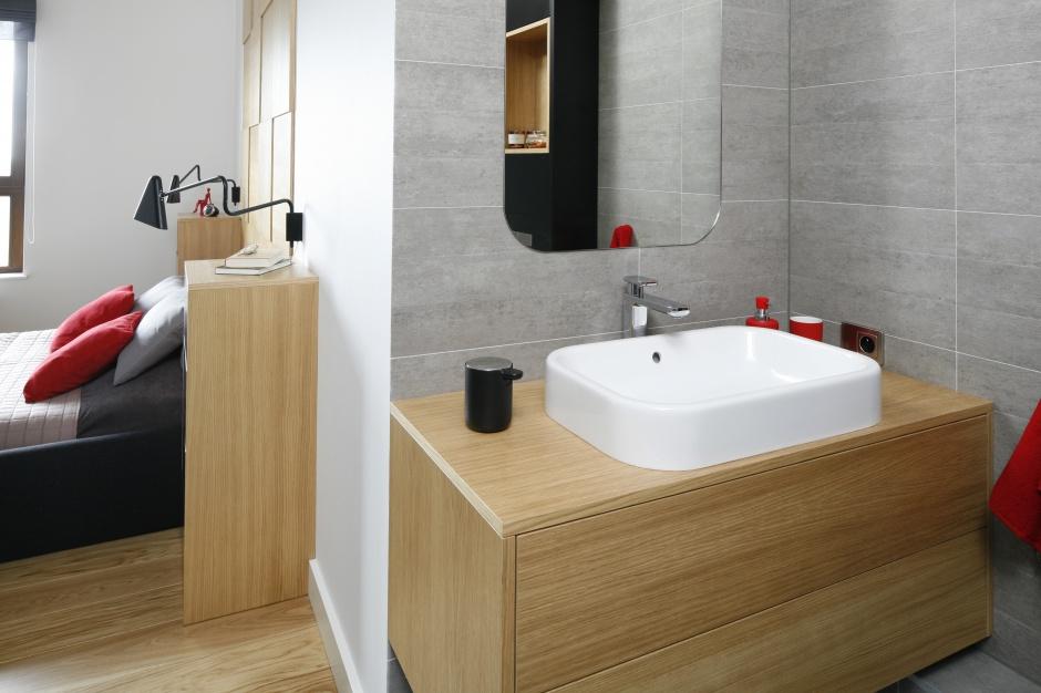 Łazienka przy sypialni – tak modnie ją urządzisz