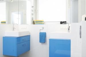 Lustro w łazience – 12 sposobów na optyczne powiększenie