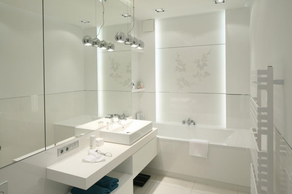 Nowoczesna, jasna łazienka – piękne wnętrza z polskich domów