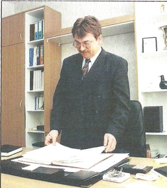 Dyrektor marketingu Jacek Koźlecki Jesteśmy największym i najlepszym producentem płytek ceramicznych w kraju.