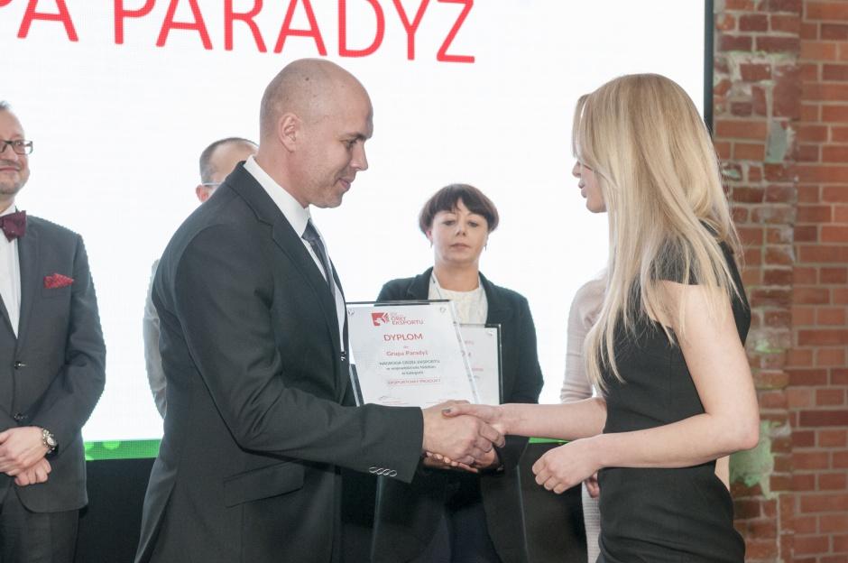 """Ceramika Paradyż z """"Orłami"""" za eksport"""