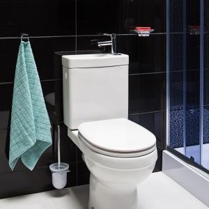 Dwa w jednym: sedes z umywalką na metraż mini
