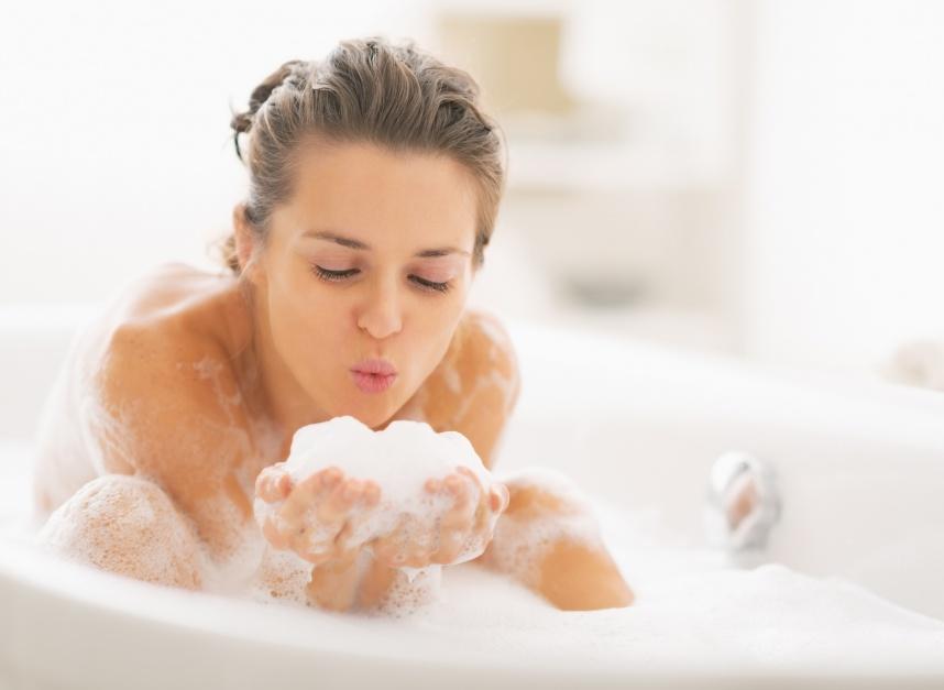 Woda do kąpieli. Czy stosować filtr w łazience?