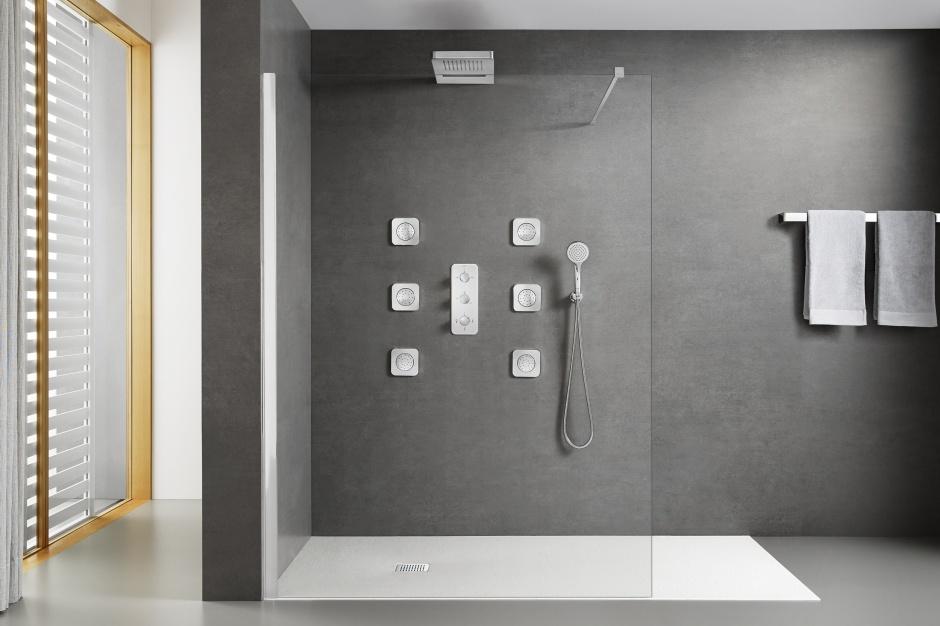Brodzik na wymiar – do nietypowych kabin prysznicowych