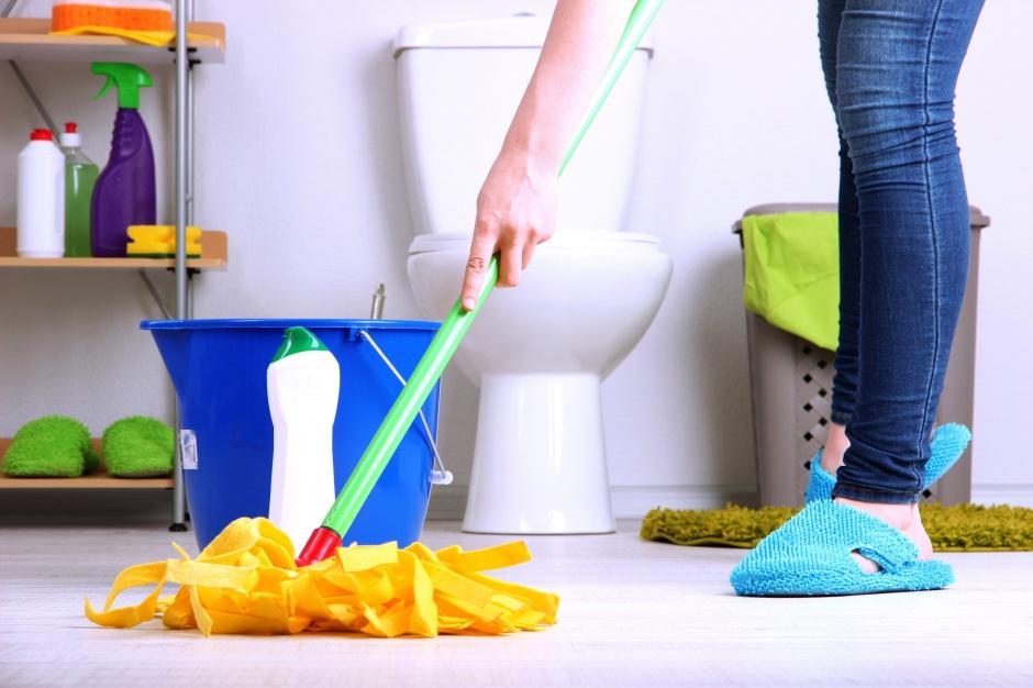 Mop do podłogi – jaki wybrać do łazienki