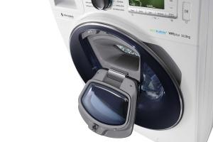 Pralka z podwójnymi drzwiami – dodaj ubrania podczas prania
